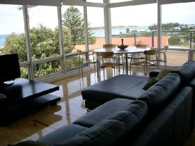 Victor Apartments - Adare Apartment - tourismnoosa.com