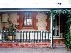 The Lion Cottage - tourismnoosa.com