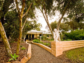 Correa Corner Bed  Breakfast - tourismnoosa.com