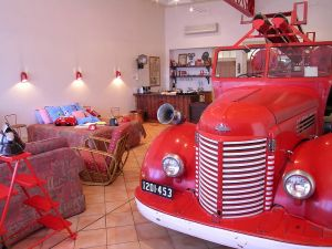 The Fire Station Inn - Fire Engine Suite - tourismnoosa.com