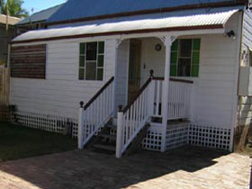 A Pine Cottage - tourismnoosa.com
