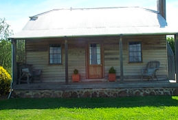 Brickendon Historic  Farm Cottages - tourismnoosa.com