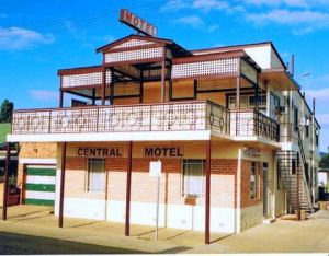 Central Motel - tourismnoosa.com