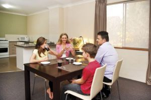 Oxley Court Apartments - tourismnoosa.com