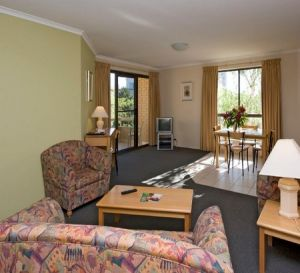 Kingston Court Serviced Apartments - tourismnoosa.com