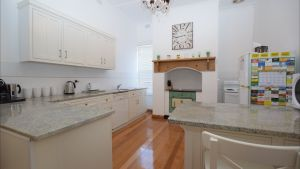 The Provincial Bed  Breakfast - tourismnoosa.com