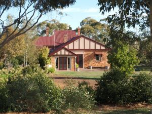 Pierrepoint Wines Bed  Breakfast - tourismnoosa.com