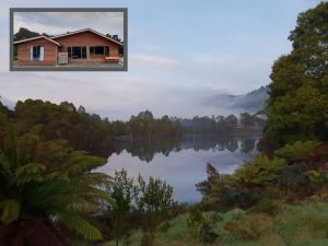Tullah HideAway - Lakeside  Mountain Views - tourismnoosa.com
