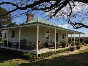 Crookwell Farmhouse - tourismnoosa.com