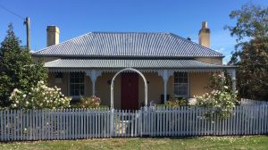 Bellamona - Cosy Georgian Cottage - tourismnoosa.com