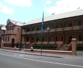 Parliament House - tourismnoosa.com