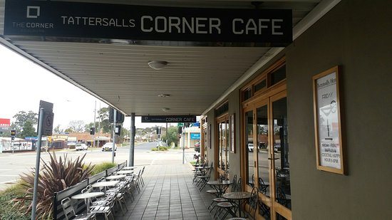 The Corner Cafe -Tatts Pub - tourismnoosa.com