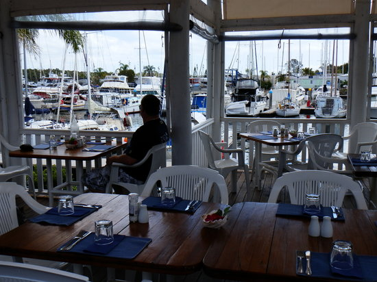 Marina Bar and Grill - tourismnoosa.com