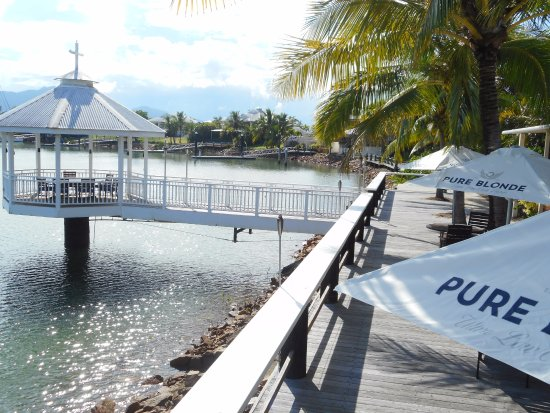 Waterfront Restaurant  Bar - tourismnoosa.com