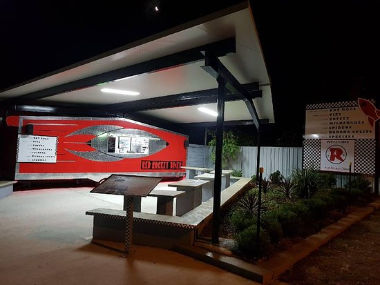 Red Rocket Diner - tourismnoosa.com