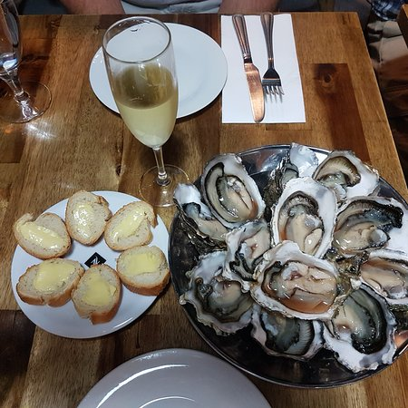 Small French Bar - tourismnoosa.com