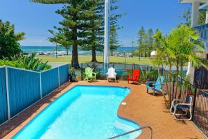 Beach House Holiday Apartments - tourismnoosa.com