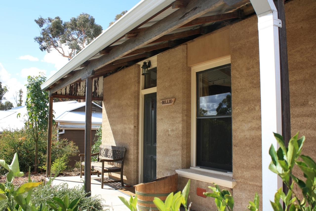 Hotham Ridge Winery and Cottages - tourismnoosa.com