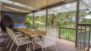 'RIVERSIDE RETREAT' 544 Ocean Drive North Haven - tourismnoosa.com