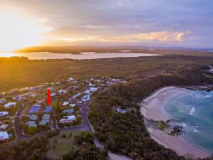 Angourie Blue 7- stroll to surfing beaches. - tourismnoosa.com