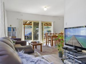 Beach Escape  Currarong - basic family accommodation - tourismnoosa.com